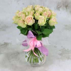 Букет из 25 зелено-розовых роз 40 см. Люкс