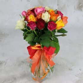 Букет из 25 разноцветных роз 40 см.Cтандарт