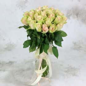 Букет из 25 розово-зеленых роз 40 см. Стандарт