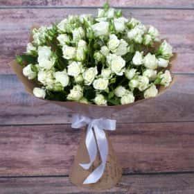Букет кустовых роз «Белая леди»