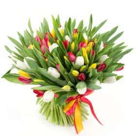 Букет 101 тюльпан «Весенний карнавал»