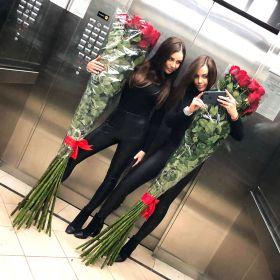 21 гигантская красная роза 200см