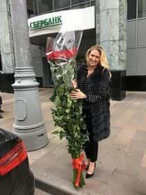 35 гигантских красных роз 180см